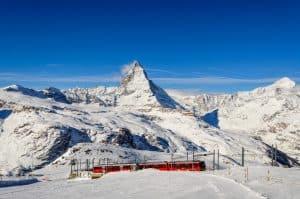Gornergratbahn mit dem Matterhorn als Hintergrund